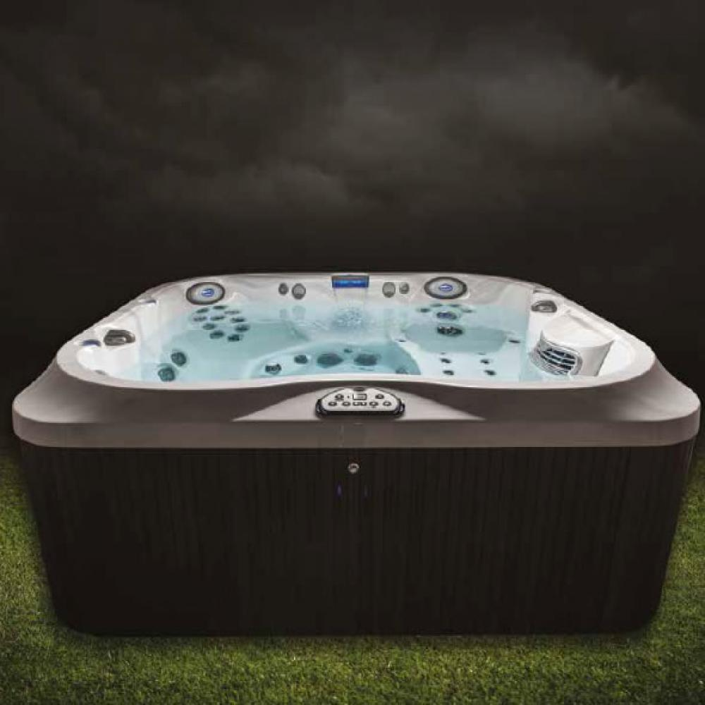 J-385 Jacuzzi Hot Tub. 6-7 person including child seat.